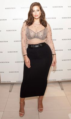 Ashley Graham Rocks a Sexy Sheer Top to Promote Her New Lingerie Line Ashley Graham Outfits, Ashley Graham Style, Look Plus Size, Plus Size Model, Modelo Ashley Graham, Plus Size Dresses, Plus Size Outfits, Curvy Women Fashion, Plus Size Fashion