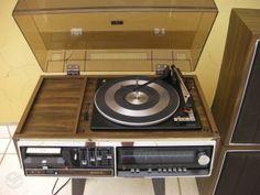 Som 3 em 1 Sony dos anos 70 Sony, Music Instruments, Musical Instruments