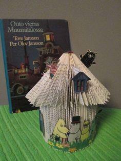 Muumit mukana - Tämän taittelun kehittelin itse.  The Moomins are cool! Coming from Finland. This structure I developed by myself.