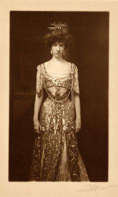 Gertrude Vanderbilt Whitney, ca. 1890