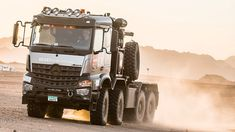 Dakar Rally an Arocs 4663 pulls more than 100 vehicles out of the sand - RoadStars Mercedes Benz Forum, Mercedes Benz Trucks, Master Truck, Luxury Van, Ground Transportation, Mercedez Benz, Suv Trucks, Heavy Truck, Expedition Vehicle
