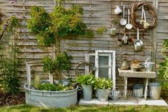 Visiting Silke - Karin Urban - Natural STyle Source by Diy Garden Projects, Diy Garden Decor, Garden Cottage, Home And Garden, Amazing Gardens, Beautiful Gardens, Garden Images, Rustic Gardens, Terrace Garden