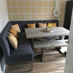 Dinning Table With Bench, Corner Bench Dining Table, Cosy Dining Room, Corner Bench Seating, Modern Dining Table, Dining Room Design, Corner Kitchen Tables, Dining Sets, Dining Area