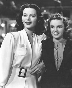"gatabella: ""Hedy Lamarr and Judy Garland, Ziegfeld Girl, 1941 "" Old Hollywood Stars, Old Hollywood Glamour, Golden Age Of Hollywood, Vintage Hollywood, Classic Hollywood, Vintage Glam, Classic Actresses, Hollywood Actresses, Beautiful Actresses"