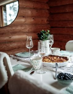 At Maria's - At Maria's Greengate Iittala Summerhouse Interior Inspiration, Table Settings, Cabin, Interiors, Cabins, Place Settings, Decoration Home, Cottage, Decor
