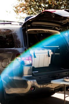 Toyota Tailgate is my favorite time of year! So let's dive into all the tailgating essentials + the ultimate parking lot party vehicle, the Toyota Sequoia. Kansas State Football, College Football Games, Kansas City Chiefs, Dallas Cowboys, Tailgate Food, Tailgating, Pretzel Factory, College Bags