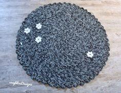 Ein neuer runder Häkelteppich in meinem #etsy-Shop, #rund #grau #crochet #carpet #teppich #ambiente #badteppich #häkelteppich
