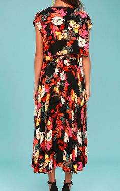 This dress is like looking at a wonderful flower garden! The Free People Sundown Black Floral Print Two-Piece Dress is really a piece of art but on top of a dress. The black color with the vibrant floral print in different color variations is a one of a kind magical experience. I also think the incredible …