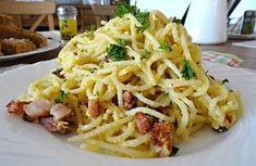 Špagety zapečené v troubě nebo na pánvi pod pokličkou spolu se šunkou, vejci a sýrem.