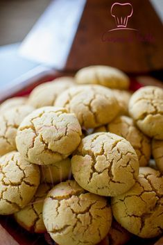 Hello I offer a choice of recipes for aid el fitr. Southern Christmas Recipes, Cookie Recipes, Dessert Recipes, Algerian Recipes, Arabic Sweets, Cupcakes, Food Hacks, Great Recipes, Bakery