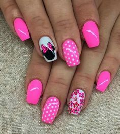 Manicura minnie mouse pink