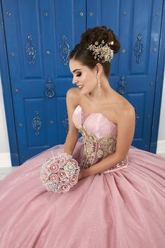 Strapless Sweetheart Glitter Dress by House of Wu LA Glitter 24045 – ABC Fashion Quince Hairstyles, Wedding Hairstyles, Wedding Updo, Lace Bodice, Lace Dress, Fitted Bodice, Pretty Quinceanera Dresses, Quinceanera Ideas, Quinceanera Hairstyles