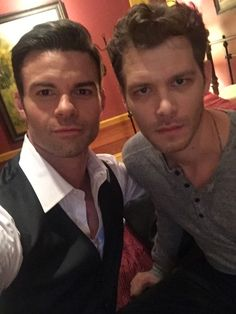 the originals,the vampire diaries daniel gillies(elijah) & joseph morgan(klaus) The Vampire Diaries, Vampire Diaries The Originals, Klaus The Originals, Vampire Diaries Wallpaper, Originals Cast, Daniel Gillies, Joseph Morgan, Hot Actors, Actors & Actresses