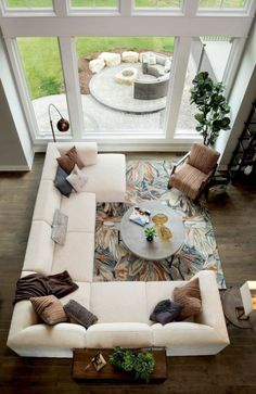 New apartment living room furniture arrangement ideas window ideas Large Living Room Furniture, Living Room Sectional, Living Room Paint, New Living Room, Small Living Rooms, Living Room Modern, Living Room Designs, Living Room Decor, White Sectional
