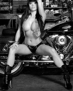 Dm me for shout out #repair #garage #mechanic #mechanicgirl #ratrot #custom #car…