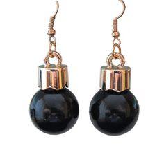 Black-Pendant-Earrings - they look like black Christmas bulbs lol