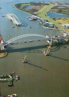 1989 - Invaren 2e van Brienenoordbrug bij de Eschpolder.