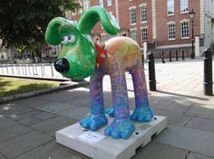 Poetry in Motion by Joanna Lumley - Gromit Unleashed photos - 80 of them hidden are around Bristol.