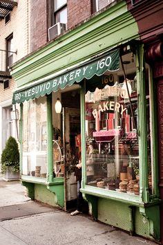 Vesuvio Bakery storefront   Soho NYC   photo Marika Järv