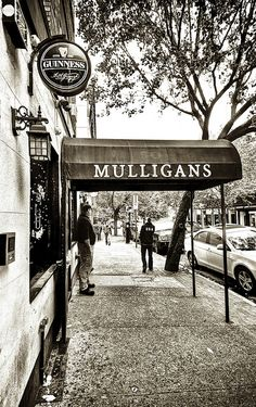See the Google Virtual Tour for Mulligan's Bar in #Hoboken at http://www.insidebusinessnyc.com -- #NJ #Marketing