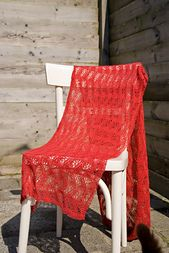 Ravelry: Japanse Golven Rechte shawl NL pattern by A Passion For Lace. Knitted Shawls, Crochet Scarves, Ravelry, Shawl Patterns, Outdoor Chairs, Wraps, Knitting, Lace, Scarfs