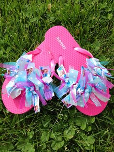 e030632a13578 Items similar to Frozen Elsa and Anna grosgrain ribbon flip flops on Etsy