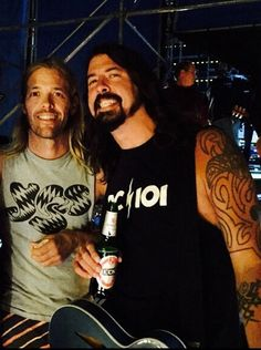 Foo Fighters Dave Grohl and Taylor Hawkins jan 19, 2015. Argentina.