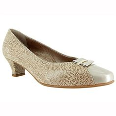 All Closed Toe Shoes - Closed Toe BeautiFeel's luxurious collection of closed toe models are the perfect combination of premium Italian leathers, eleg Closed Toe Shoes, Italian Leather, Patent Leather, Kitten Heels, Peep Toe, Dress Shoes, Pumps, Flats, Memory Foam