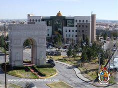 Durante su visita a Ciudad Juárez, no olvide recorrer por la avenida que da acceso a Campos Elíseos, una de las áreas más exclusivas de Ciudad Juárez, donde se alza una réplica del Arco del Triunfo de París. #ciudadjuarez