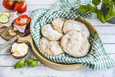 Oppskriften gir 10 yoghurtbrød Healthy Cooking, Healthy Recipes, Granola, Camembert Cheese, Flora, Food And Drink, Bread, Cookies, Baking