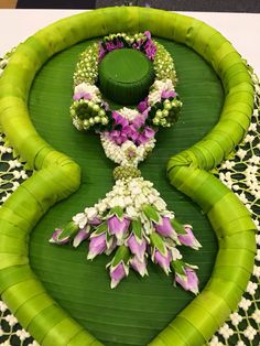 1000 images about artificial flowers banana leaves on for Artificial banana leaves decoration