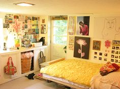 lots of dorm room decorating ideas...really super!