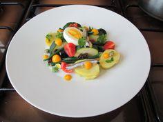 JHS   /  Un'Insalata  per  antipasto  Acciughe   uovo e  verdure  Gino D'Aquino