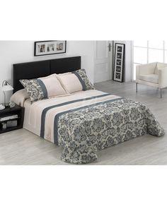 El edredón Lombardía es acolchado con un elegante estampado en tonos beige y verdes. Perfecto para renovar la decoración de tu dormitorio. Envío en 24/48 horas