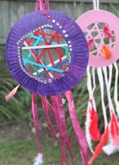 Paper Dream Catcher. This could be a good craft to make after learning about Native American Culture. 4462