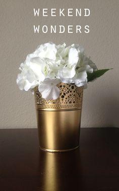 Ikea 'SKURAR' in Gold. Der sonst weiße Blumenübertopf sieht mit goldener Farbe angesprüht sehr edel und elegant aus.
