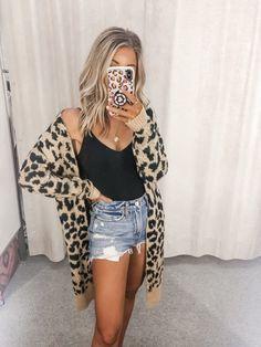 Fashion Tips Outfits .Fashion Tips Outfits Mode Outfits, Trendy Outfits, Fashion Outfits, Fashion Tips, Womens Fashion, Classy Outfits, Cute Outfits For Girls, Hijab Fashion, Stylish Outfits