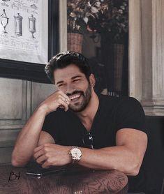 2,158 отметок «Нравится», 0 комментариев — Burak Ozcivit ♚ (@burakozcivit.ro) в Instagram: «Smile everyday!😍💓 #burakozcivit #buraközçivit» Turkish Men, Turkish Actors, Handsome Faces, Handsome Actors, Instagram Smiles, Grey Hair Men, Burak Ozcivit, Bad Boy Aesthetic, Arab Men