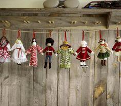 Christmas Around the World Ornaments Christmas Travel, Christmas Fashion, Christmas 2014, Christmas Stuff, Christmas Holidays, Christmas Ideas, Christmas Crafts, Christmas Decorations, Christmas Ornaments