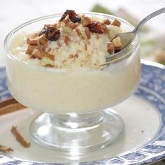 Don& hesitate and prepare a very Mexican dessert . like this traditional Arroz con leche recipe, it& quick to prepare! Boricua Recipes, Mexican Food Recipes, Sweet Recipes, Dessert Recipes, Cuban Desserts, Spanish Desserts, Desserts In A Glass, Spanish Dishes, Delicious Desserts