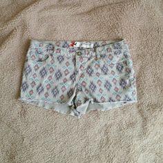 Grane shorts Tribal pattern Grane Shorts