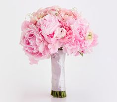 Peony, Garden Rose, Sweet Pea, and Ranunculus Mix maid of honor bouquet