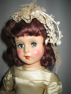 Gorgeous Nancy Ann Style Show Bride Old Dolls, Antique Dolls, Vintage Dolls, Nancy Doll, Bride Dolls, Plastic Doll, Here Comes The Bride, Beautiful Dolls, Doll Toys