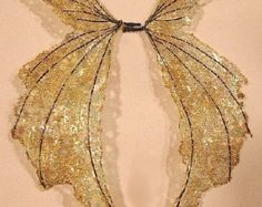 Custom made bat wings for your doll doll costume von Blissality