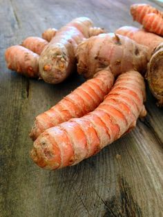 The Rainforest Garden: How to Grow Turmeric - hardier than ginger, can supposedly be overwintered outside in zones 7b-11
