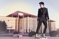 Stivale con rialzo interno da 6, 7 o 8 cm realizzato in Italia dai migliori artigiani con vera pelle di pitone, indossato dal fashion blogger #viniuehara    Foto: Silvio Bursomanno
