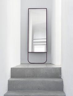 Concrete floor / Interior * Minimalism by LEUCHTEND GRAU http://www.leuchtend-grau.de/2013/03/broberg-ridderstrale.html