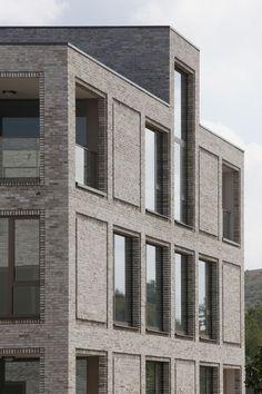 Chicago Architecture Boat Tour : patterns of enterprise application kelly zanesvill… Brick Masonry, Brick Facade, Facade House, Brick Architecture, Residential Architecture, Architecture Details, B720, Brick Detail, Building Facade