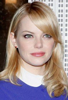 Emma Stone Hairstyles: Pretty Medium Wavy Hairstyle with Bangs