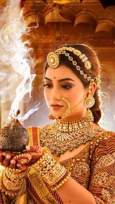 Indian Bridal Photos, Indian Bridal Outfits, Indian Bridal Makeup, Indian Bridal Fashion, Indian Fashion Dresses, Rajasthani Bride, Beautiful Indian Brides, Beautiful Bride, Bridal Lehenga Collection